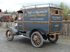 """1916 Ford """"Model T"""" Van"""