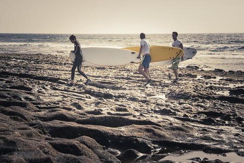 3 (Beach) Boys in The Wind (Tenerife, Iles Canaries) - Photo : Gilderic