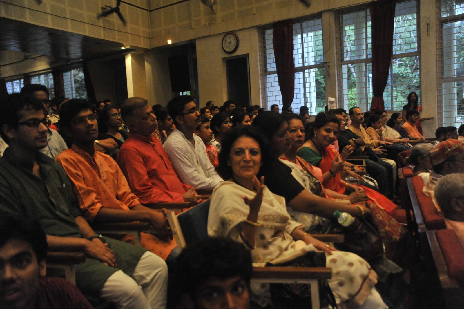 Audience pleased as a punch. Guru T N Krishnan concert