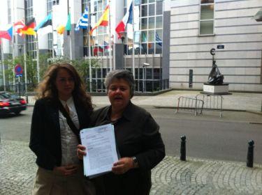 Pilar Vera y Henar Guerrero en Bruselas 31052012