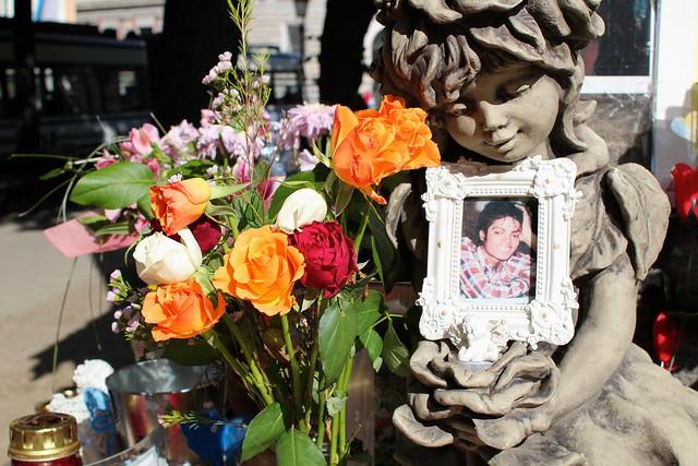 We stumbled across a Michael Jackson memorial