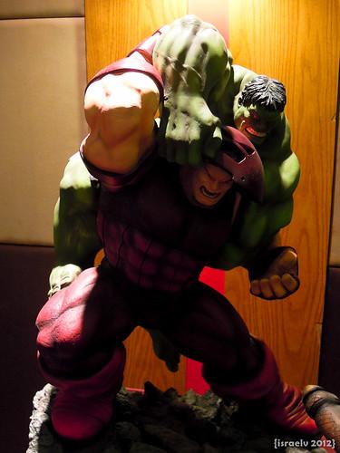 Hulk vs. Juggernaut by {israelv}