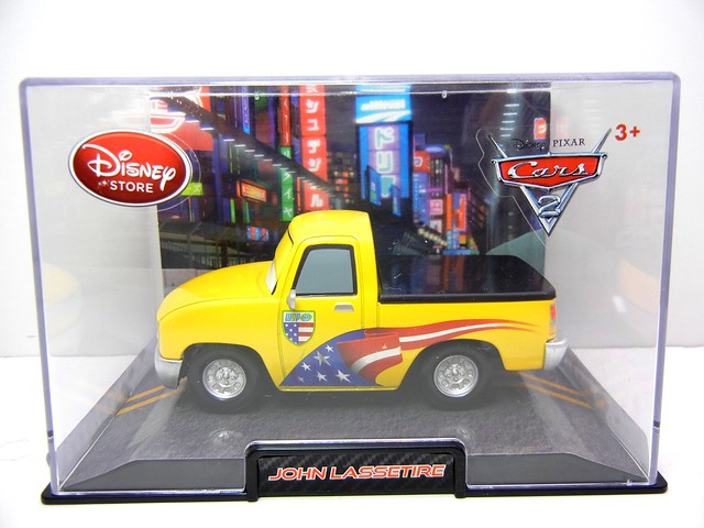 disney store cars 2 john lassetire (1)