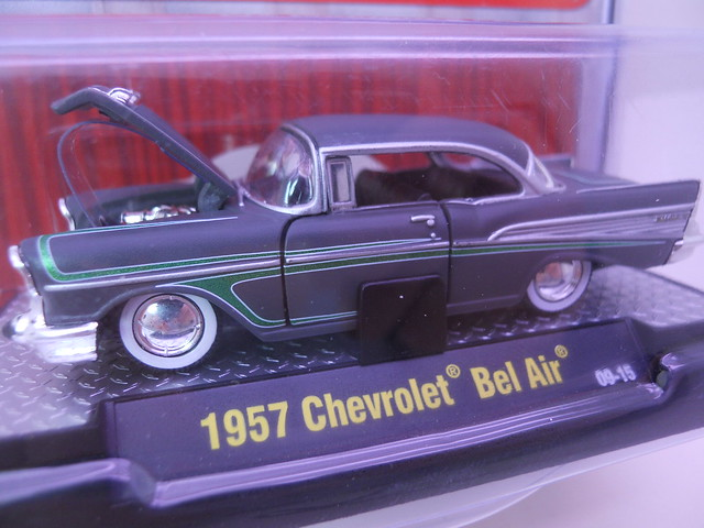 m2 machines autothentics 1957 chevy bel air gray (2)