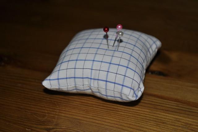 2012-06-17 Sewing machine