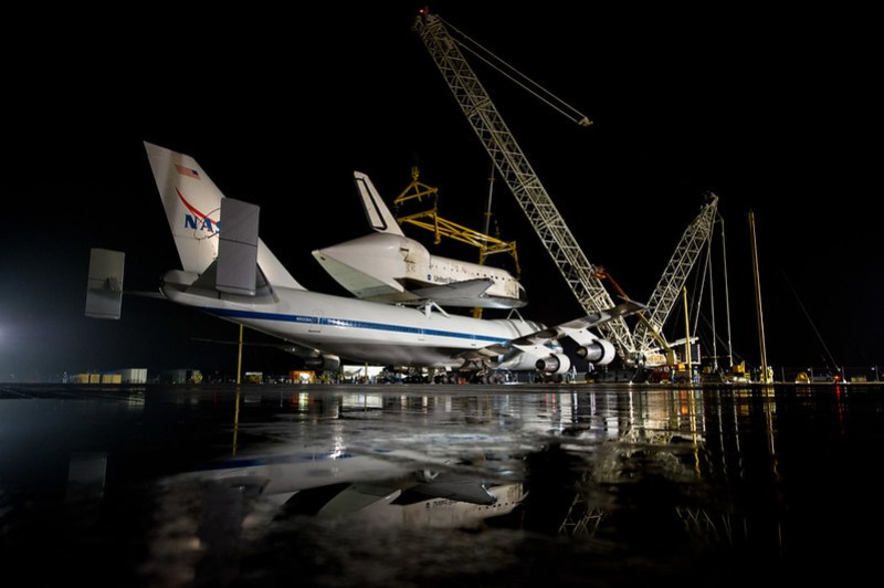 Space Shuttle Discovery Ready For Demate (201204180005HQ)