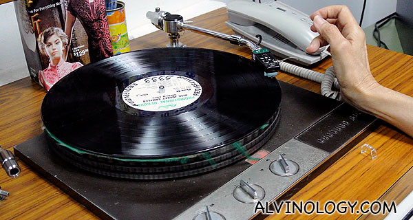 Turntable used to play 78rpm vinyl records