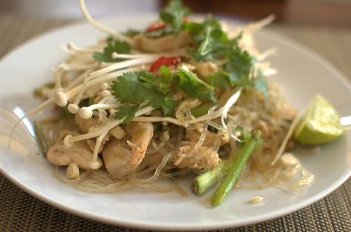 Paleo Pad Thai with kelp noodles
