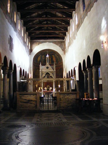 Santa María in Cosmedin interior by Hesperetusa