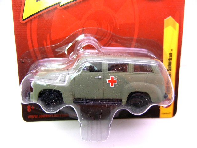 johnny lightning 1950 chevy suburban army green ambulance (2)