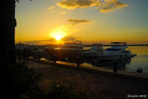 Sunset at Harbour Square, Apr. 9th at 6:58pm by {israelv}