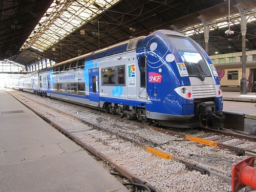 Trains like this one serve the region beyond the Ile de France, and provide fast direct services for longer distances. The much faster TGV serves the intercity market.
