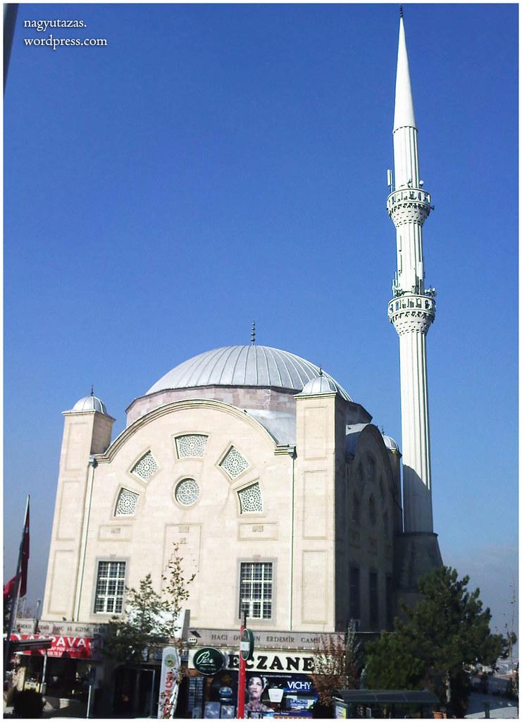 Ezüst kupolás mecset
