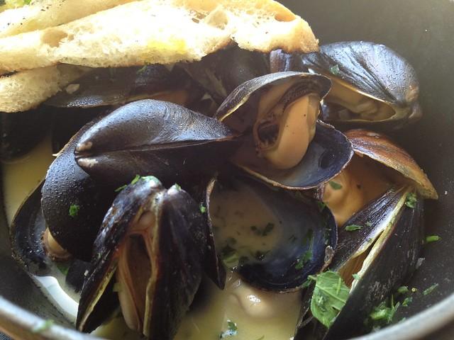 Steamed mussels - Farley Bar