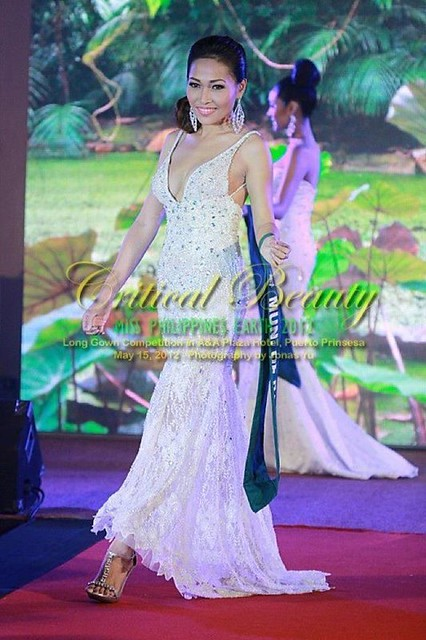 Jana Siratranont in the Miss Philippines Earth 2012 Long Gown Competition (2)
