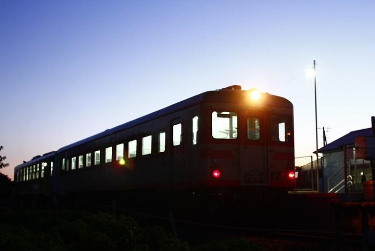 阿字ヶ浦駅発、一番列車