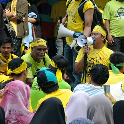 Bersih 3.0 Kota Kinabalu Yellow and Green speeches.