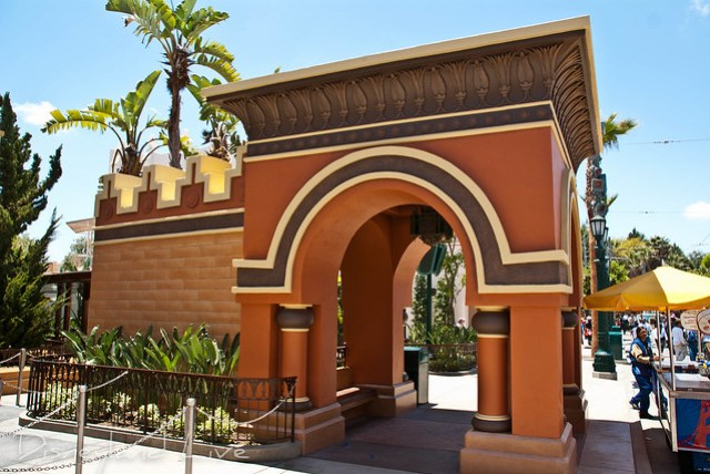 Entrance Arch - Hollywoodland
