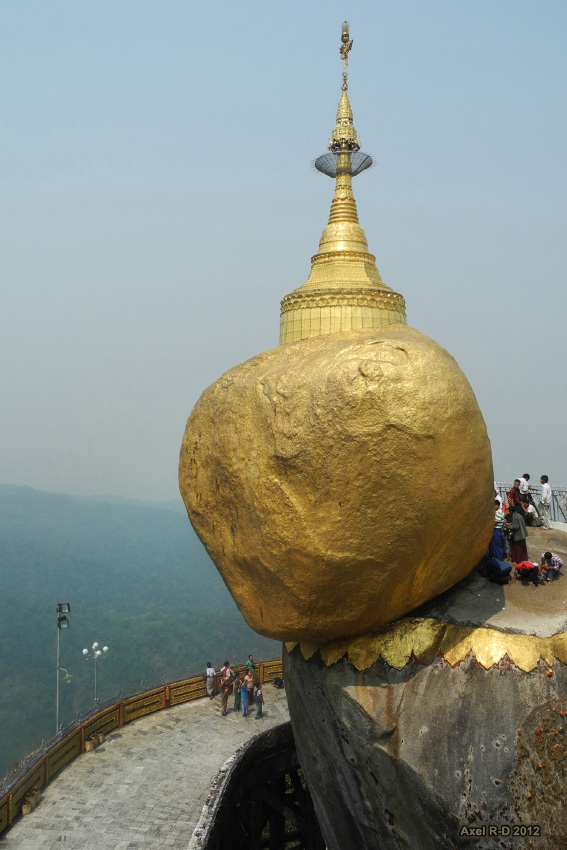 Mt Kyaiktiyo : The Golden Rock
