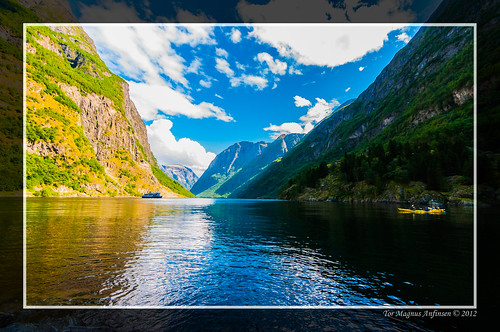 Sognefjord by boat or kayak by Tor Magnus Anfinsen