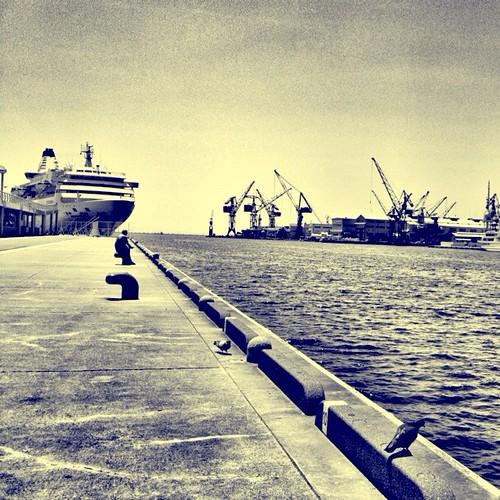 Kobe Port 神戸港中突堤