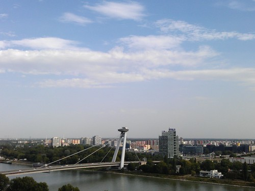 Día 4: Eslovaquia (Bratislava: Danubio, Catedral, Novy Most, Castillo, Palacio, Casco Histórico, Ayuntamiento, etc).