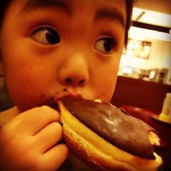 こりゃ今晩は「ごはんいらない」といわれちゃうかな #azukikun