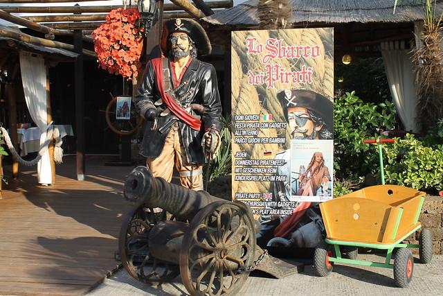 """Lo Sbarro dei Pirati"", with a Jack Sparrow look-alike, this Thursday..."