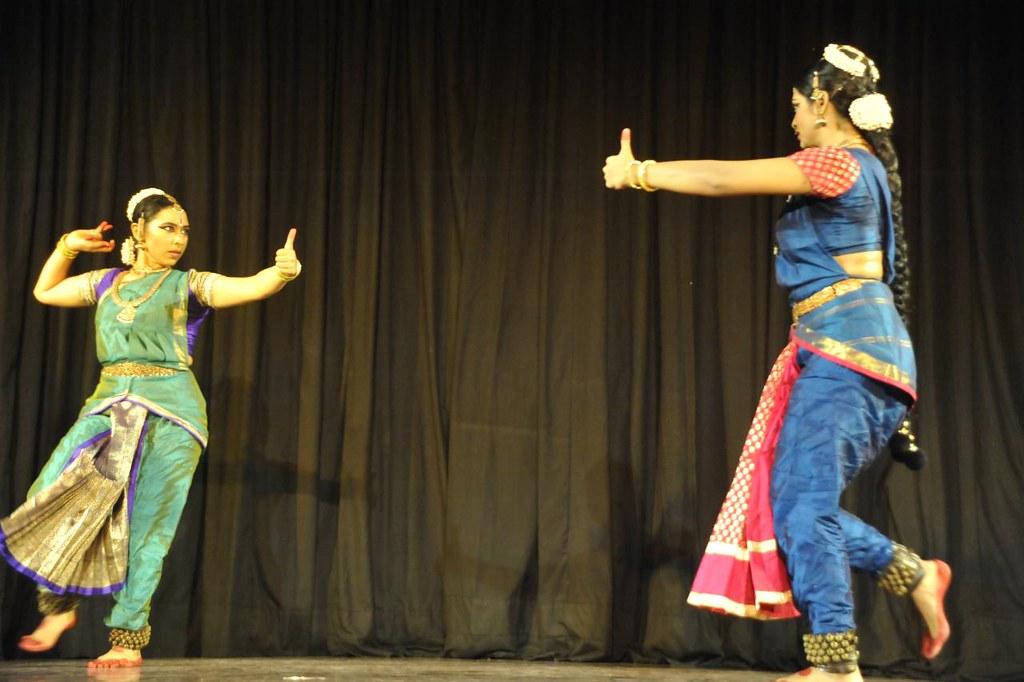 'Raghava Yadava' - Ravana Samharam - Rama Ravana Duel