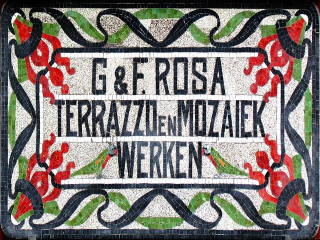 G&F. Rosa, terazzo en mozaïek. Foto door Roel Wijnants, op Flickr
