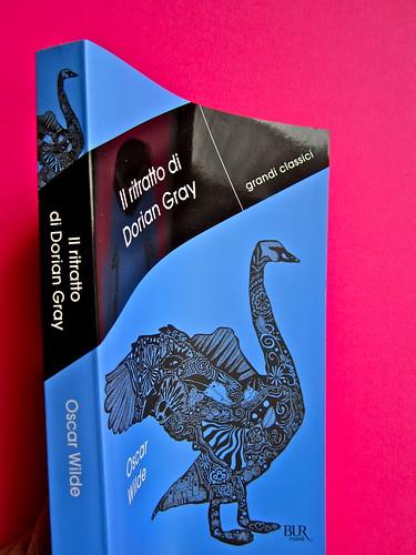 Oscar Wilde, Il ritratto di Dorian Gray.,BUR 2012. Art Director: Francesca Leoneschi / theWorldofDOT; imm. di cop.: @Kimi Recar. Dorso, copertina (part.), 1