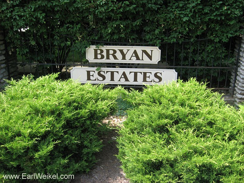 Bryan Estates Louisville KY Homes For Sale 40220 Houses off Stony Brook Dr near Jeffersontown Kentucky by EarlWeikel.com