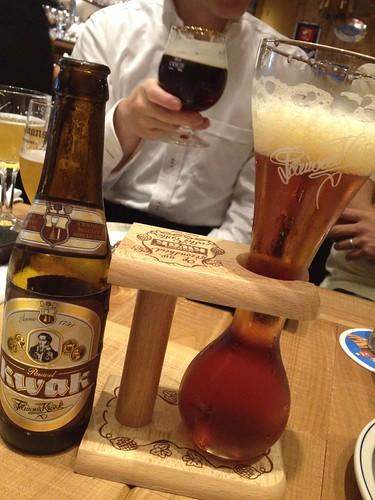 パウエルクワック。グラスが特徴的。@ブラッスリーセント・ベルナルデュス