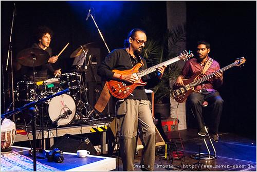 Janis Görlich,  John Anthony & Naveen Napier Kumar / Karnatriix Global Ensemble