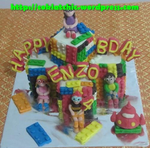 Miniature cake Lego dan little einstein