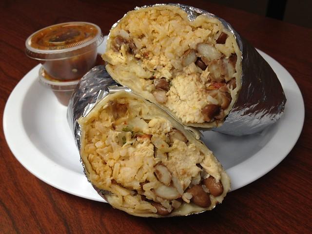 Pollo burrito - El Farolito