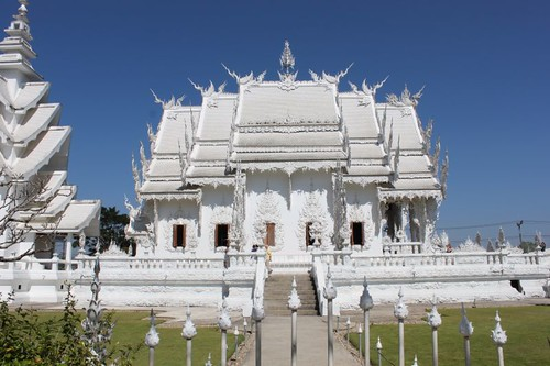 20120119_2032_white-temple
