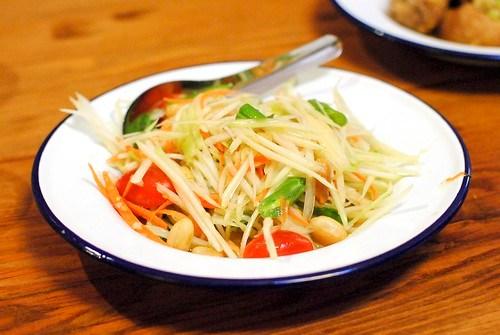 som tum | papaya salad