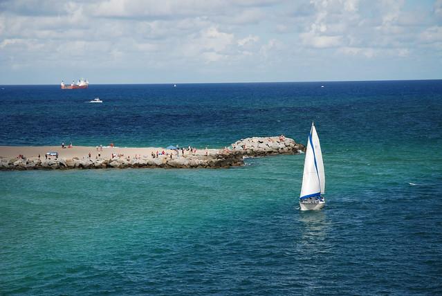 Sailing around Fort Lauderdale
