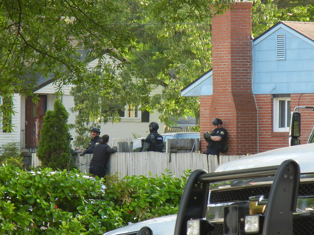 virginia beach barricaded person 4-2012 (29)