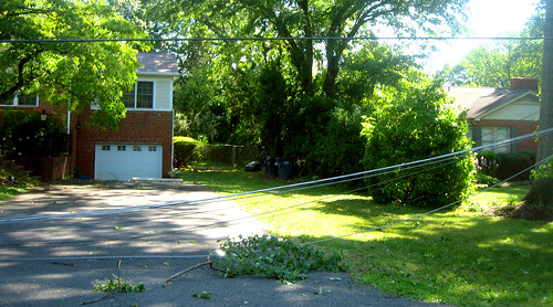 20120630 0856 - storm damage while yardsaleing - impossibru yardsale lies beyond - IMG_4532