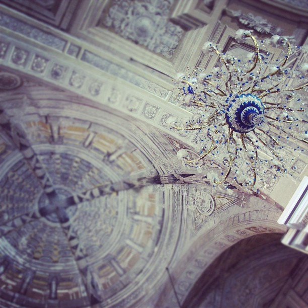 Loved the Chandeliers in the cathedral! {San Agustin Church} #visitaiglesia #manila #intramuros #philippines