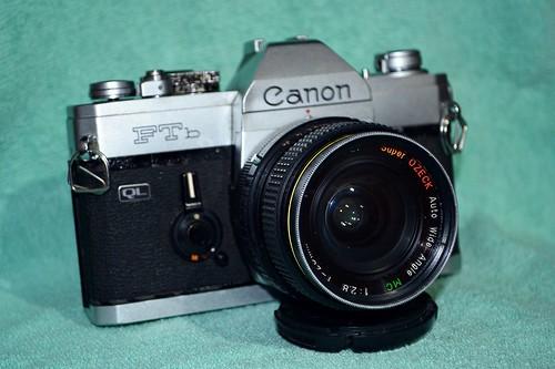 Canon FTb | Ozeck 28/2.8 by © Mohammad Suryanto