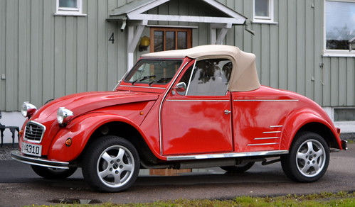 Awesome car, 2CV :-)