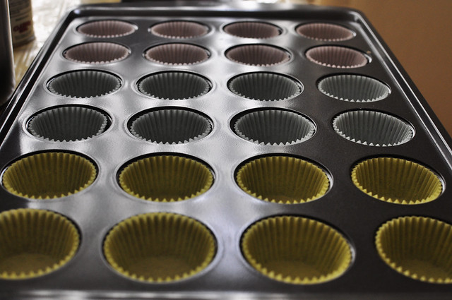 vanilla cupcakes 01