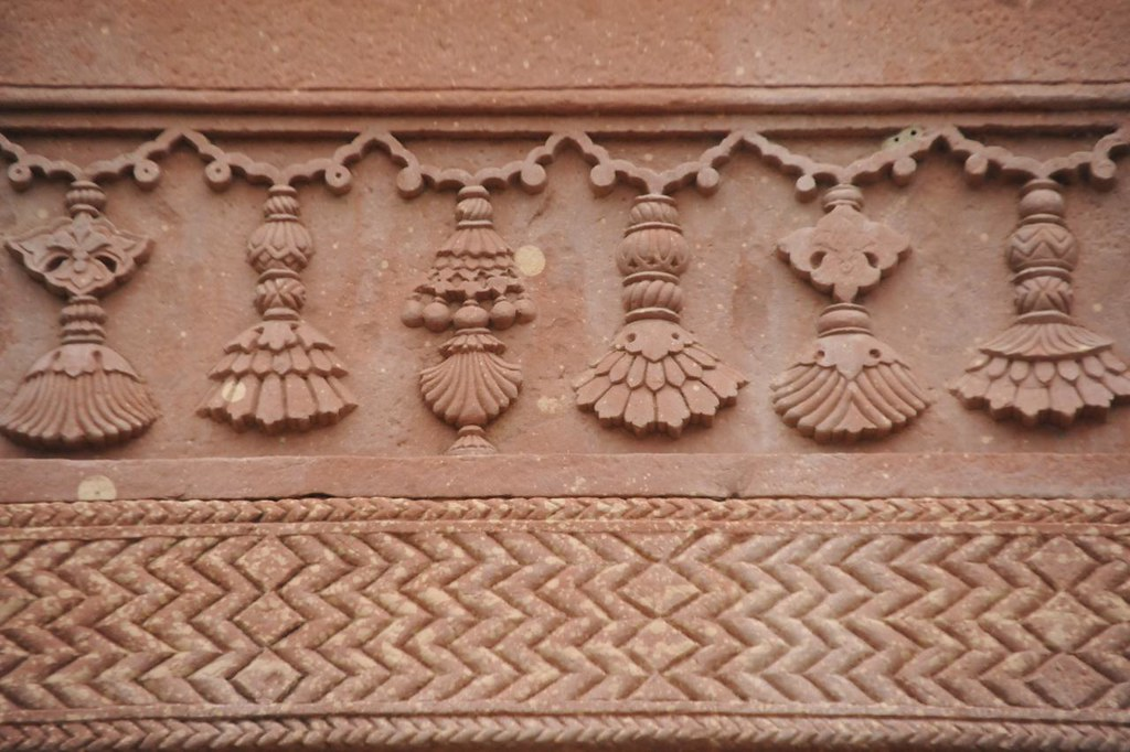 One of the structures that is dedicated to the queen has beautifully carved set of 64 ear ring designs
