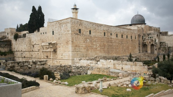Day 5- Wailing Wall - Our Awesome Planet-5.jpg