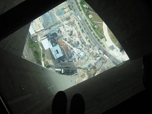 CN Tower glasspanel 0