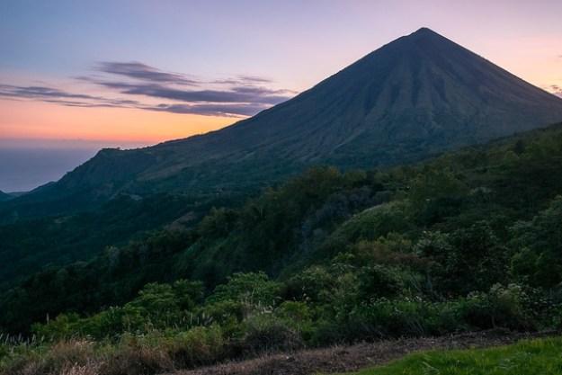 Sunset. Gunung Inerie