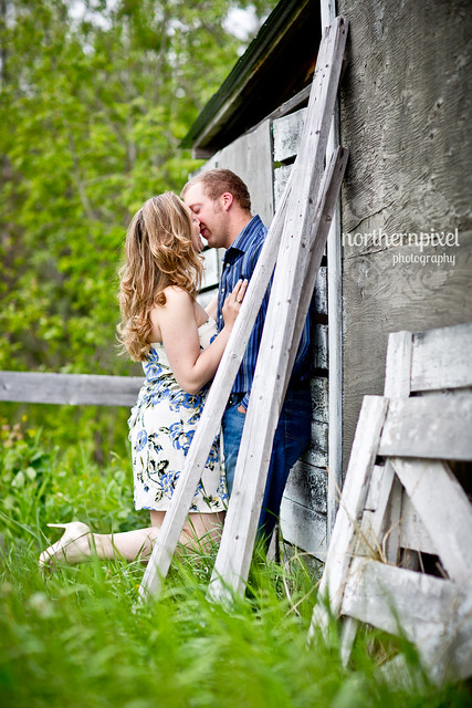 barn field rustic engagement photography